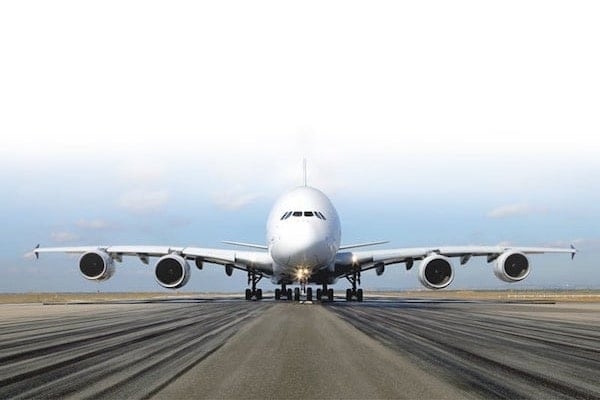ecl/aircraft-exterior/airbus-a380/a380-on-the-runway-w600x400.jpg