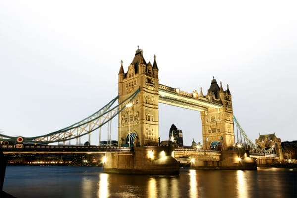 ecl/destinations/europe/united-kingdom/thames-river-night-view-with-tower-bridge-d600x400.jpg